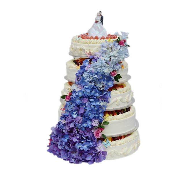 蓝色花多层婚礼蛋糕(花花卷卷)